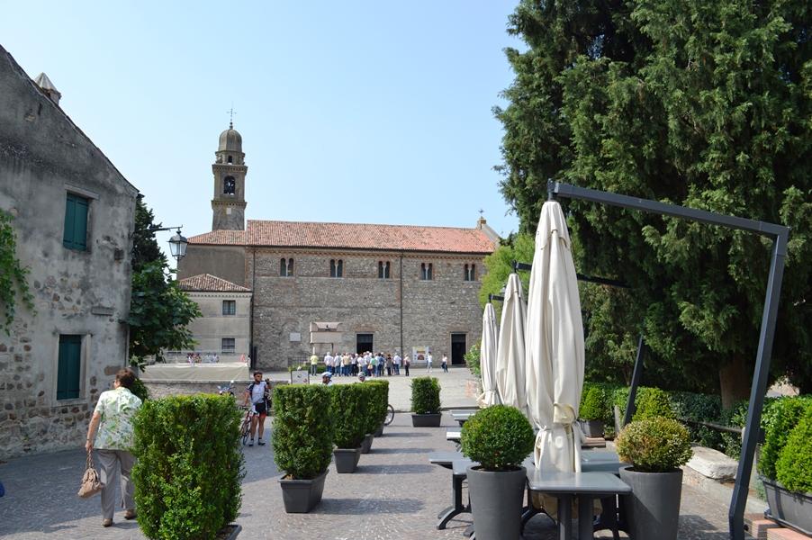 Colli Euganei, Arquà Petrarca - Journeydraft - ChiesaSMariaArqu