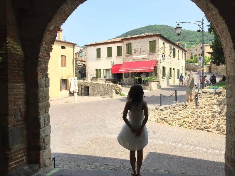 Colli Euganei, Arquà Petrarca - Journeydraft - Portico