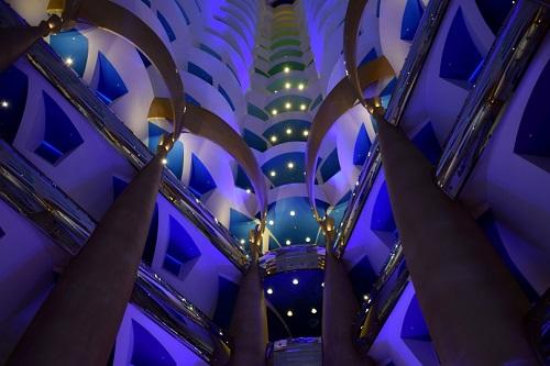 Dubai e la vicina Abu Dhabi - Journeydraft - Burj Al Arab