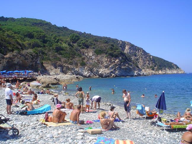 Isola d'Elba - mare, escursioni e buon cibo - Journeydraft - Spiaggia1