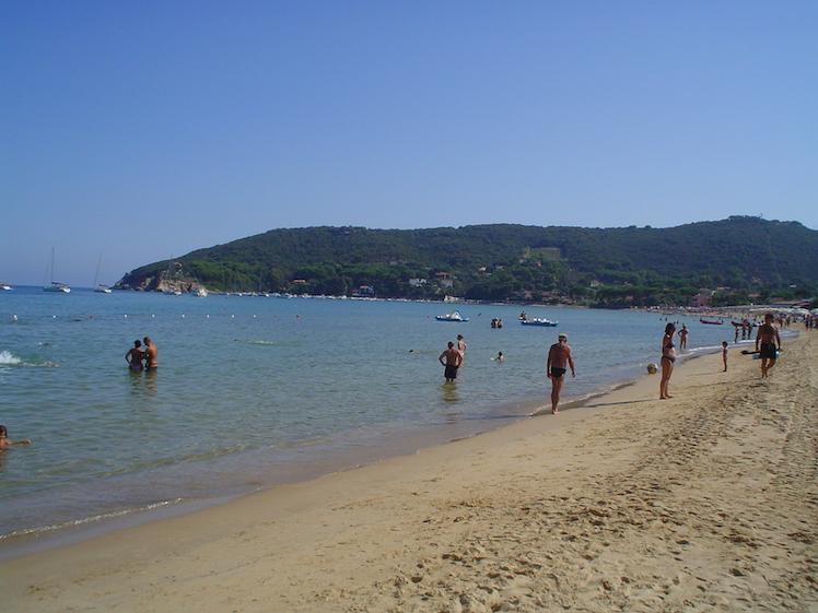 Isola d'Elba - mare, escursioni e buon cibo - Journeydraft - SpiaggiaProcchio1