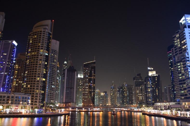 Dubai e la vicina Abu Dhabi - Journeydraft
